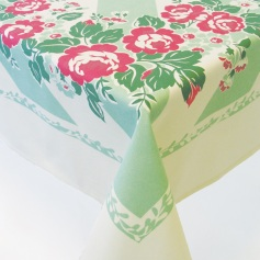 Vintage-style cottage rose tablecloth